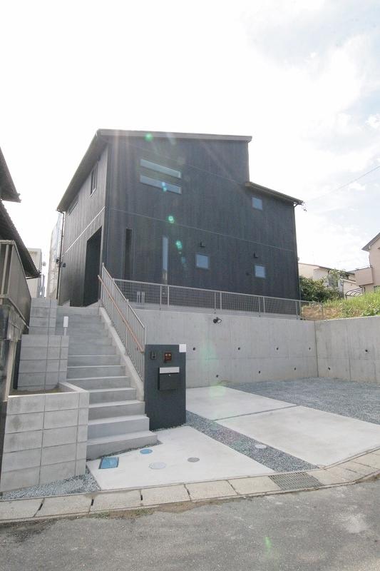 地窓を設け趣のある和室のあるお家。