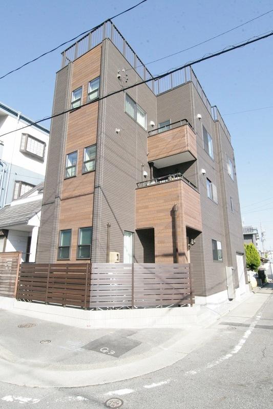 ガレージや屋上、音楽部屋、キッチンなど、理想を形にしたお家。